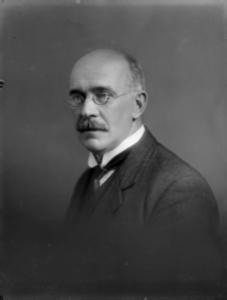 Samuel Hurst Seager, circa 1910, photographed by Herman John Schmidt. Alexander Turnbull Library 1/1-001927-G
